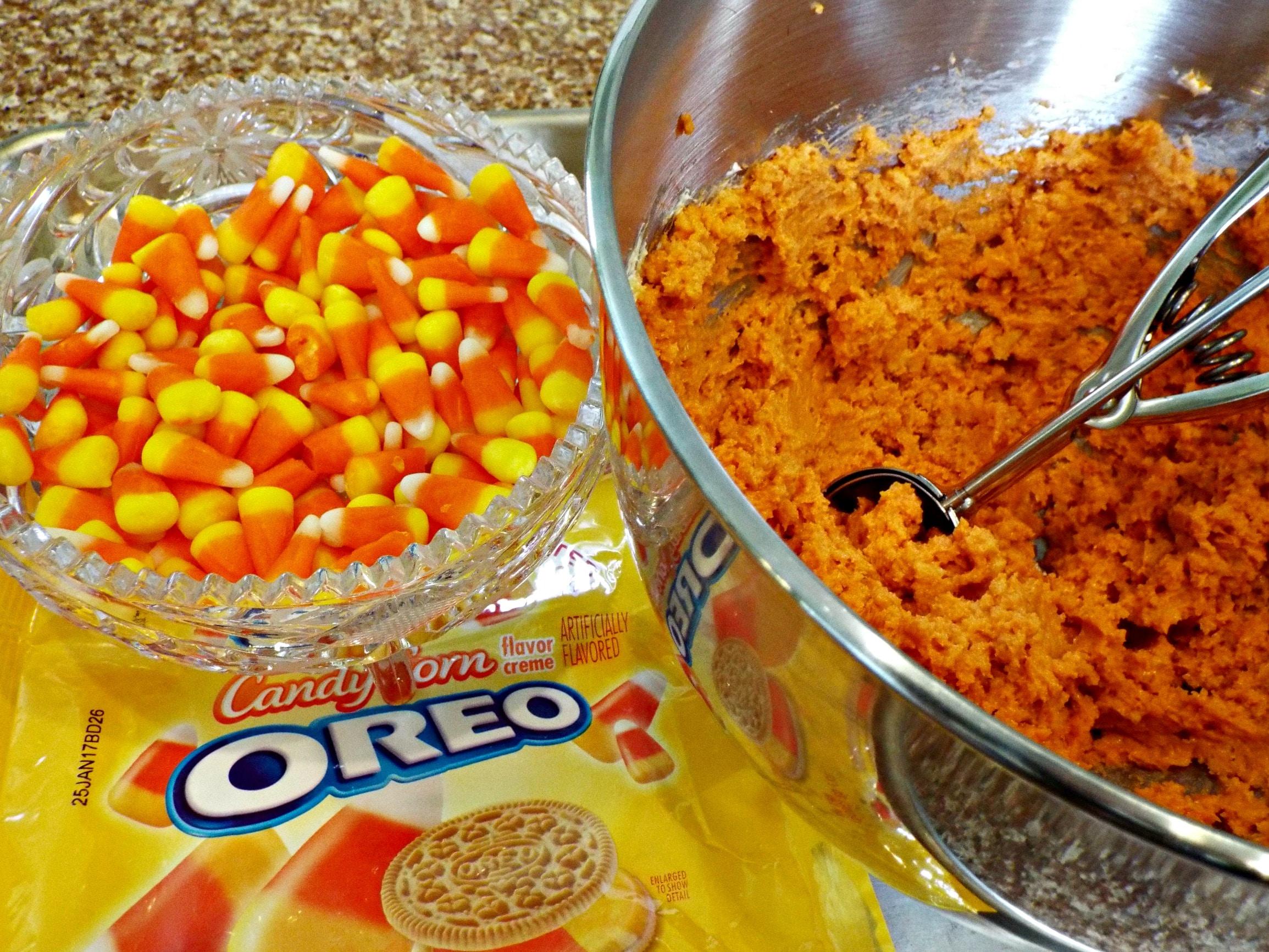candy-corn-oreo-cookie-mix-f