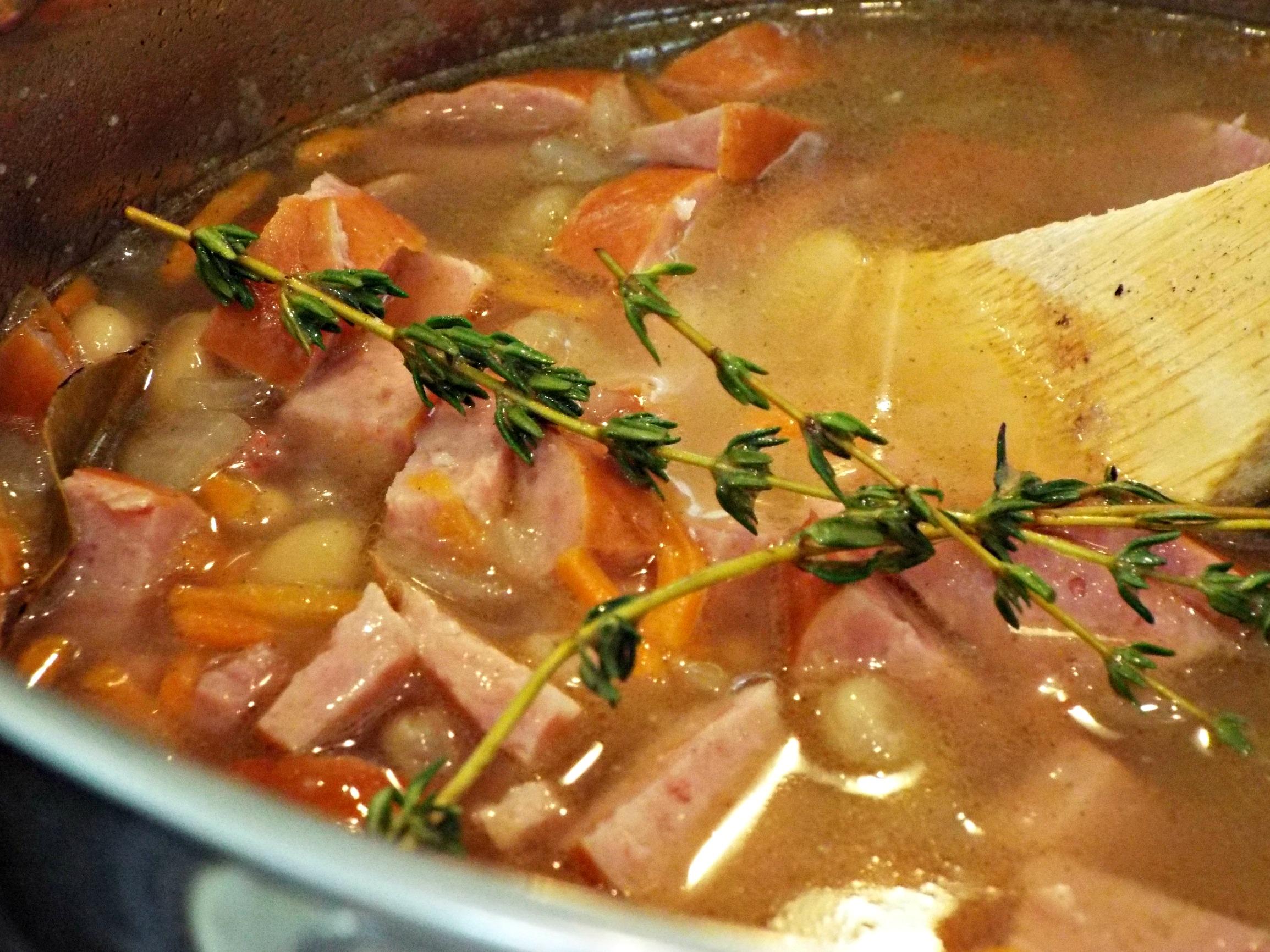 hearty-bean-soup-c