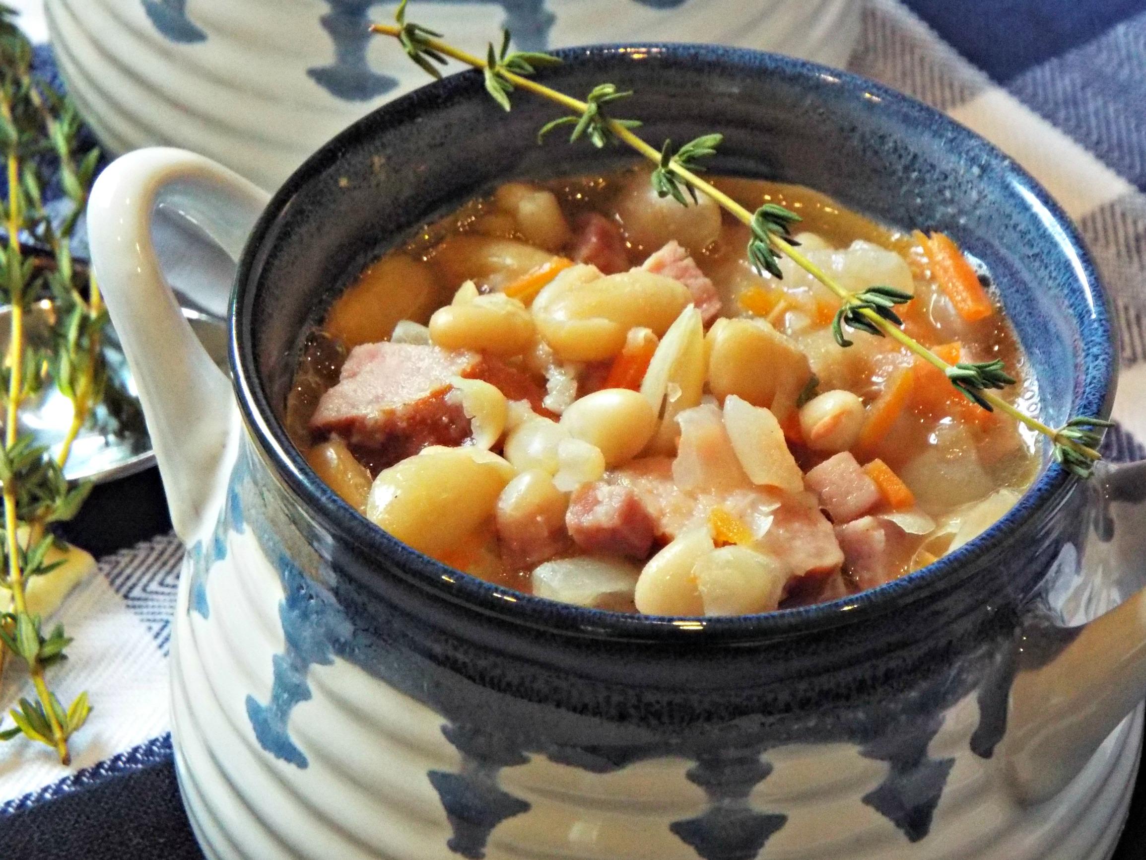 hearty-bean-soup-d