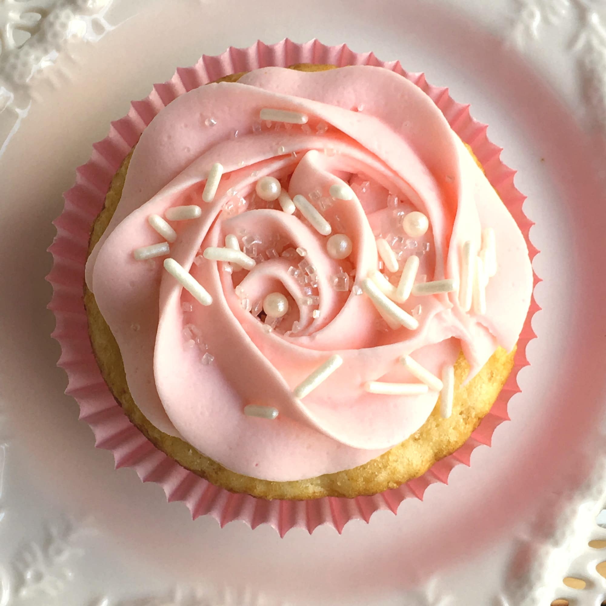 Pink Champagne Cupcakes with Pink Champagne Buttercream Frosting ...