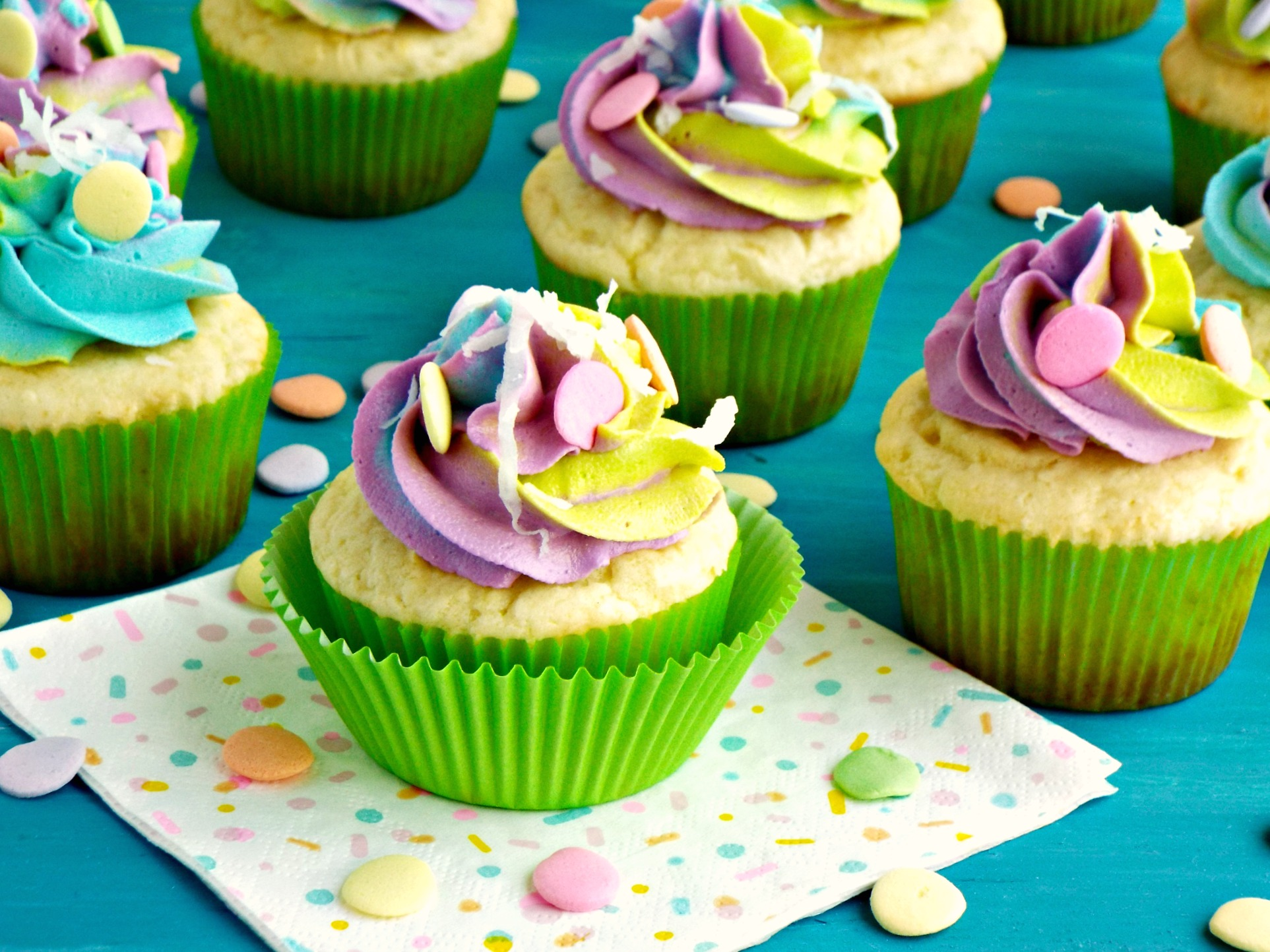 unicorn rainbow frosting