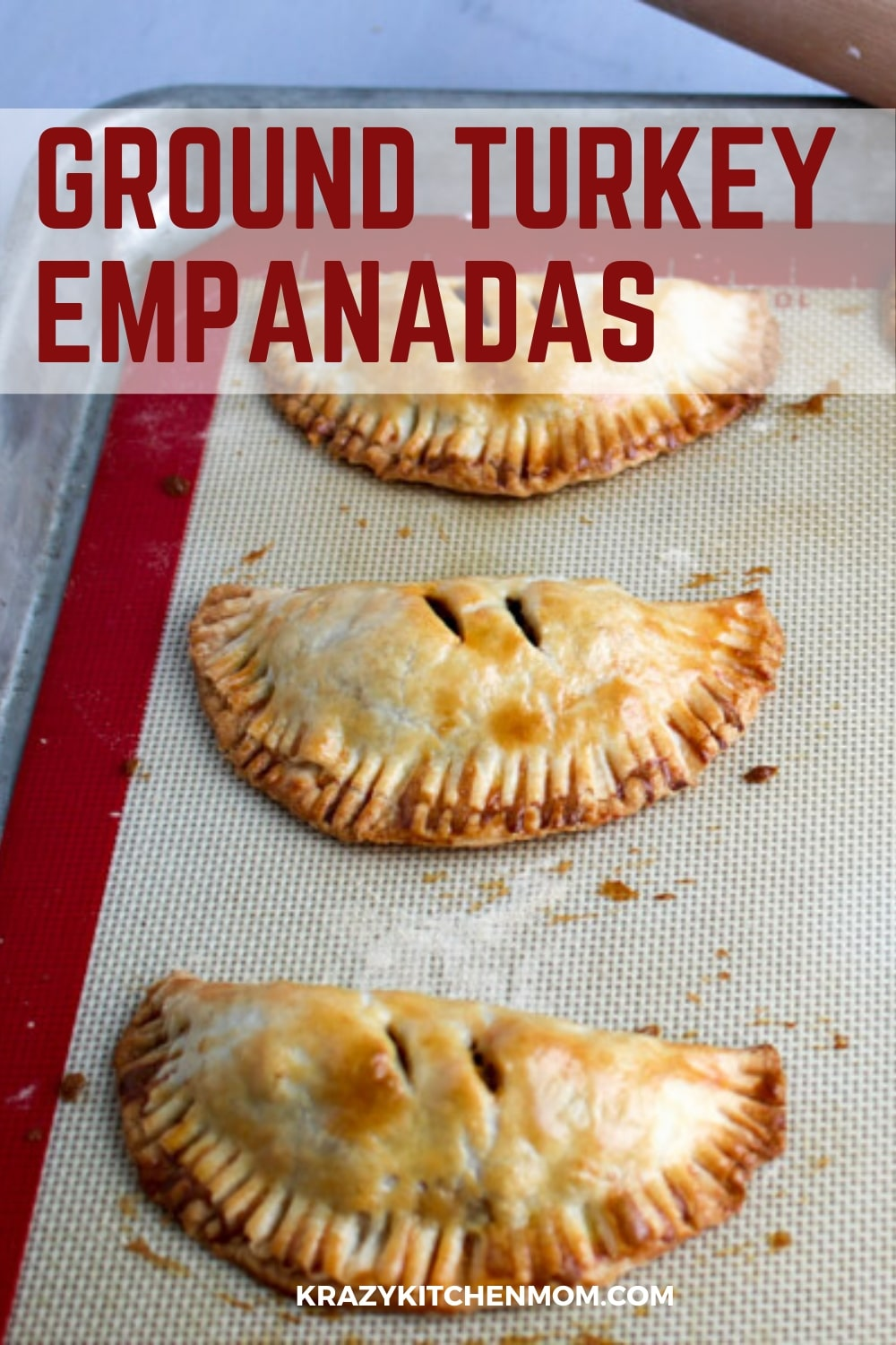 Baked Turkey Empanadas Made with Jennie-O Ground Ground Turkey Breast are an easy calorie-conscious snack or quick dinner for the entire family. via @krazykitchenmom