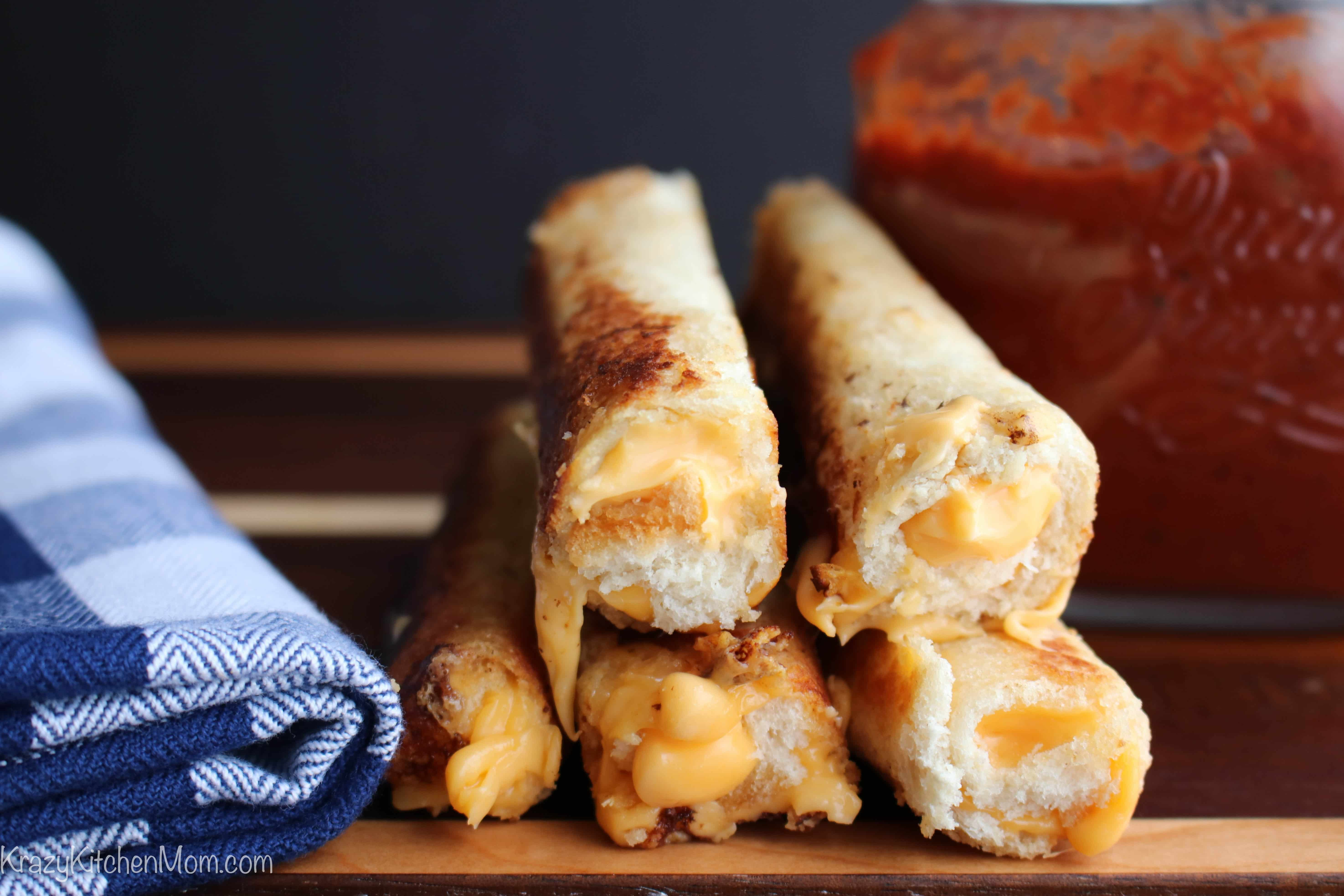Grilled Cheese Dippers with Homemade Pizza Sauce
