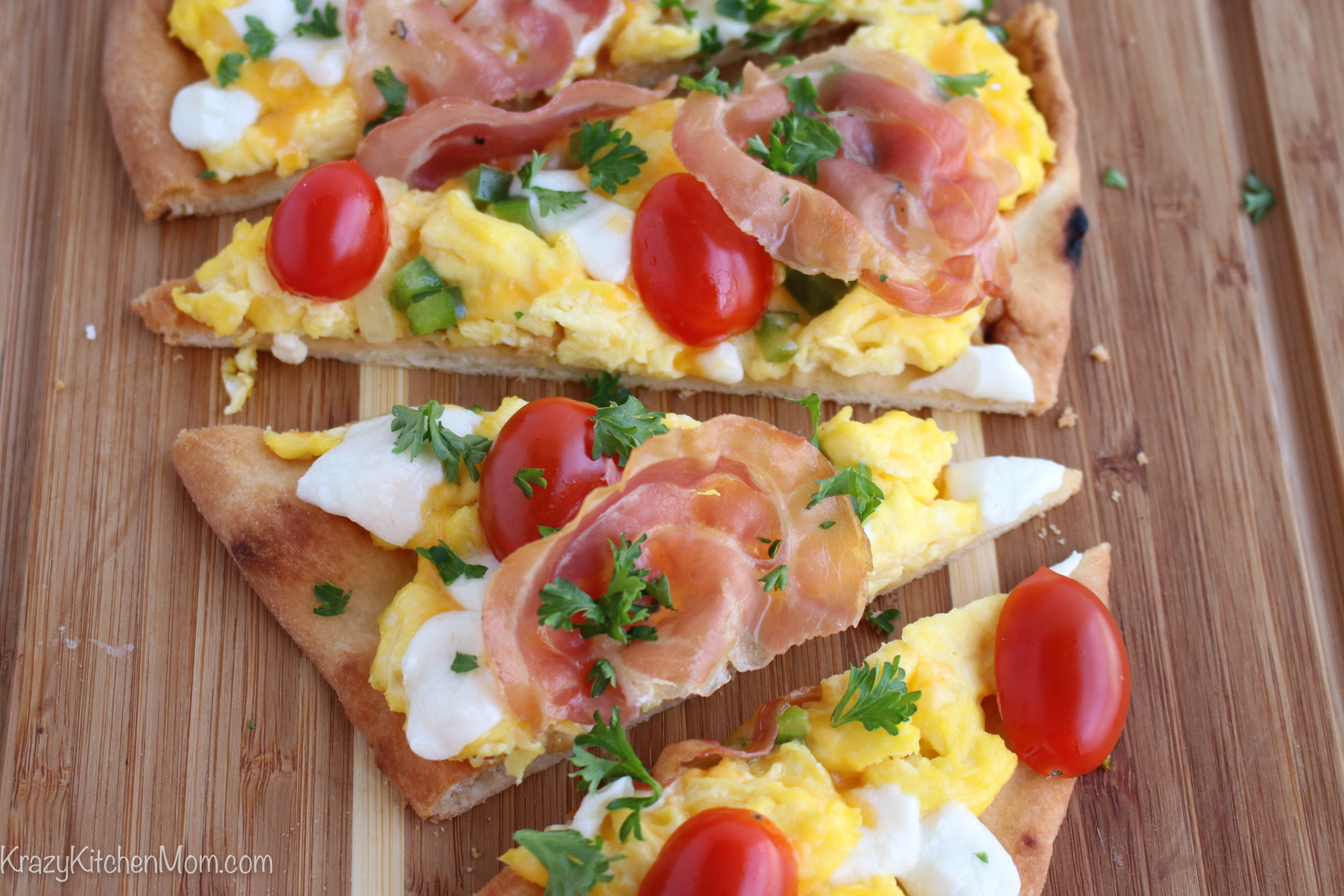 Breakfast Flatbread Pizza