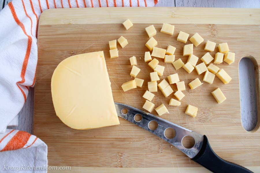 ONE INGREDIENT GOUDA CHEESE PUFS