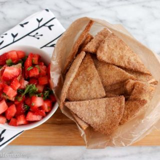 Baked Cinnamon Sugar Chips with salsa