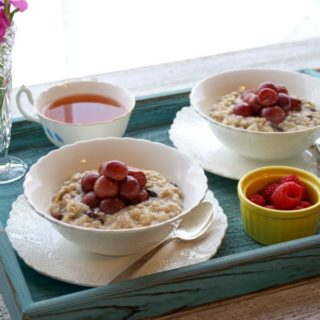 Roasted grapes oatmeal