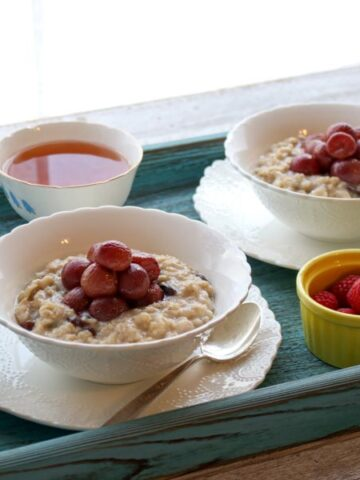 Roasted grapes oatmeal
