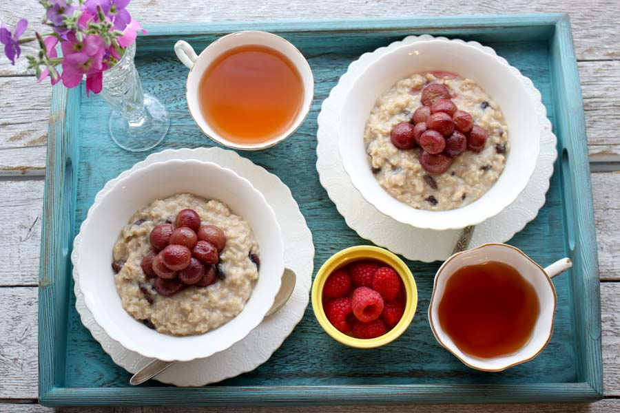 ROASTED GRAPES AND OATMEAL
