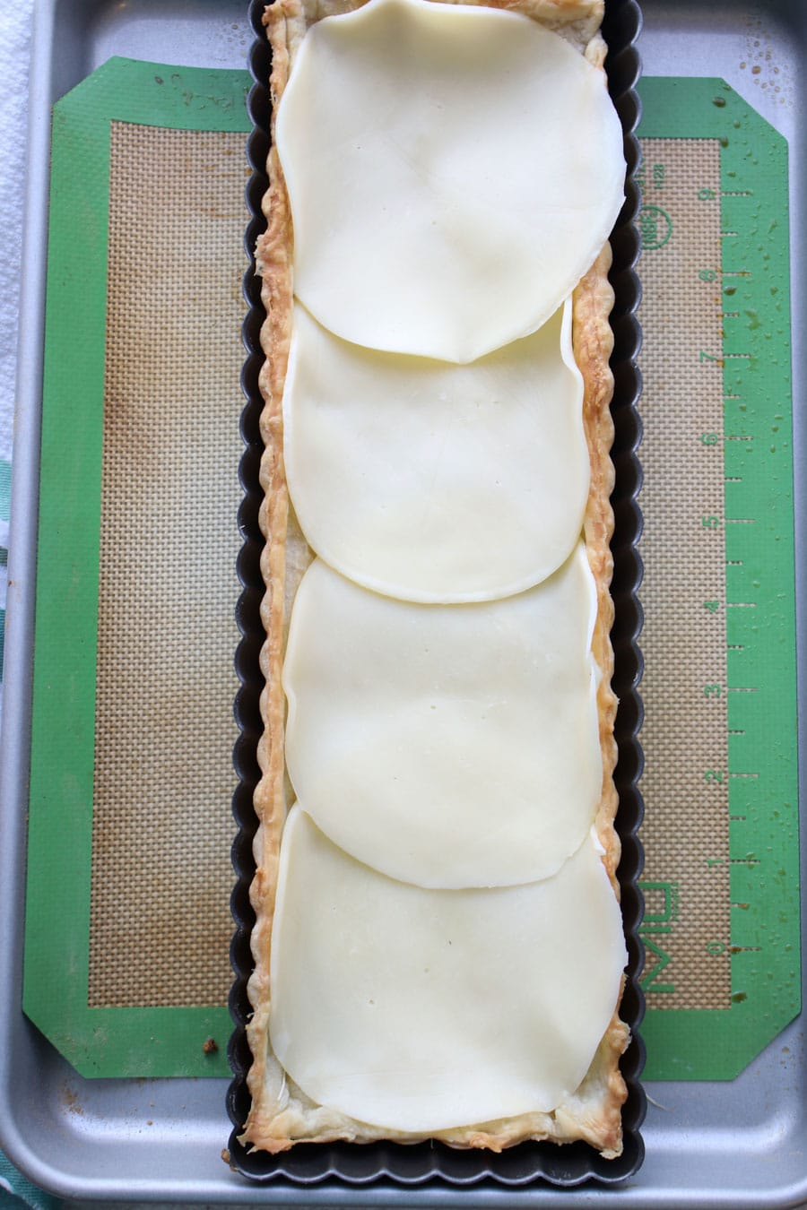 tart with cheese
