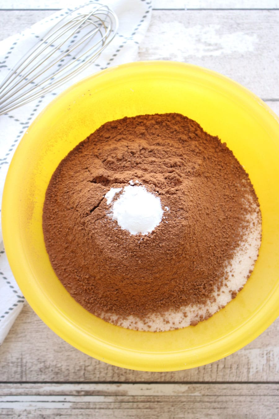 Bowl of dry cake ingredients