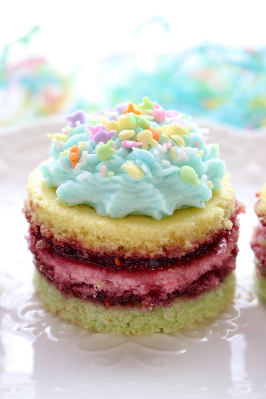 1 Mini layer cake