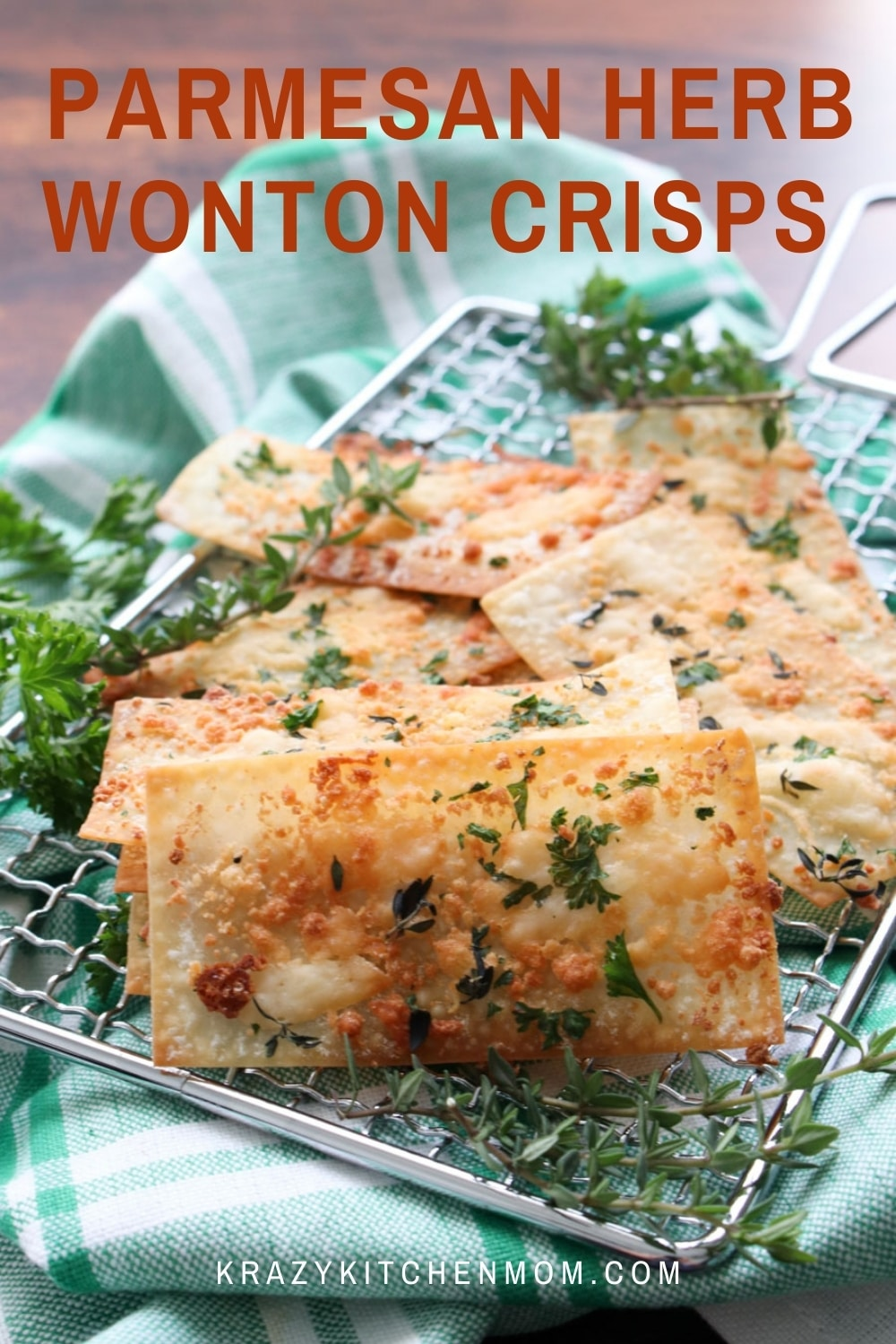 The plain old wonton wrapper just became a fancy crispy snack cracker. And only you will know that they are super simple to make.  via @krazykitchenmom