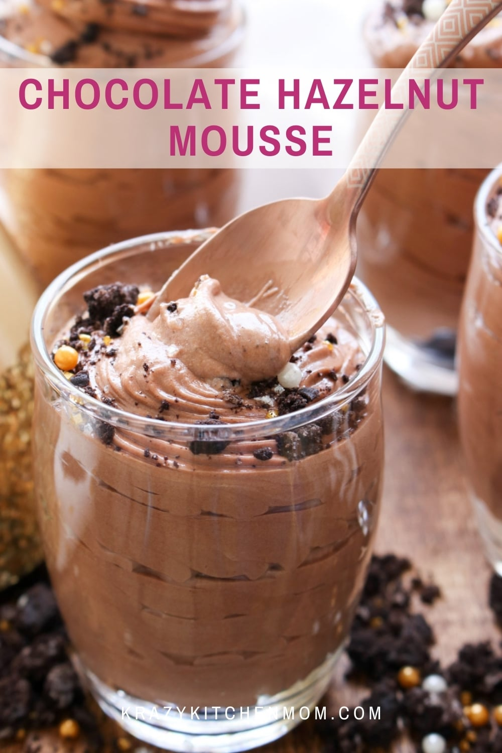 With only four ingredients and ten minutes, you can make the most decadent creamy chocolate mousse that rivals any fancy restaurant dessert.  via @krazykitchenmom