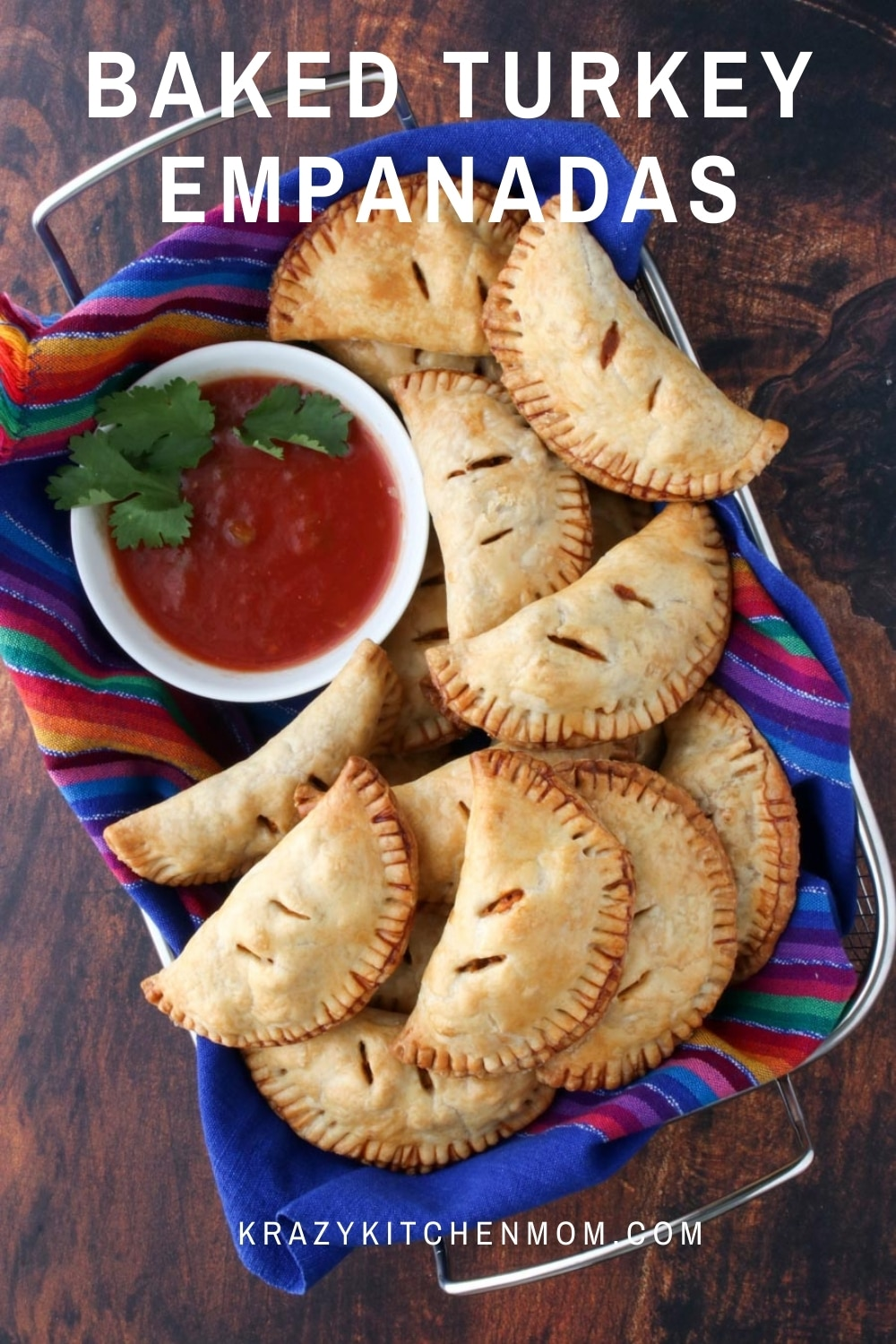 Baked Turkey Empanadas Made with Ground Turkey Breast are an easy calorie-conscious snack or quick dinner for the entire family. via @krazykitchenmom