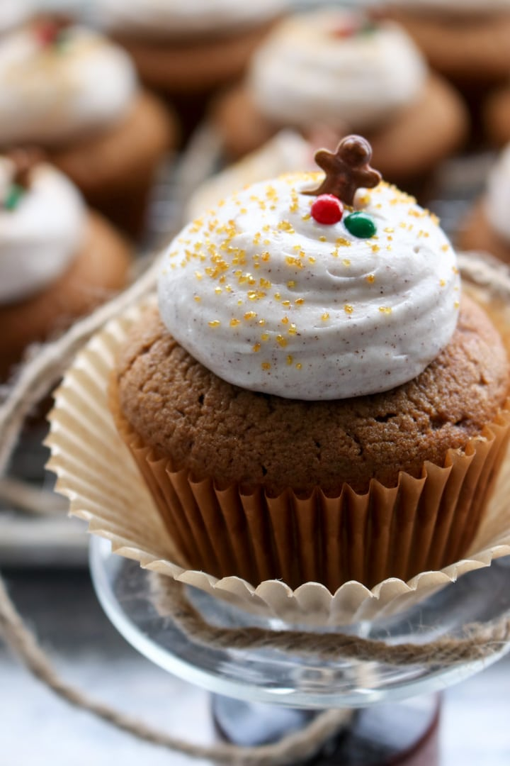 cupcake with cinnamon frosting